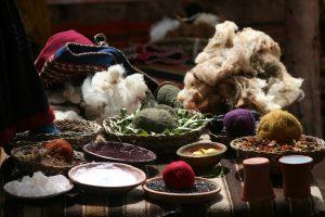Schafswolle färben