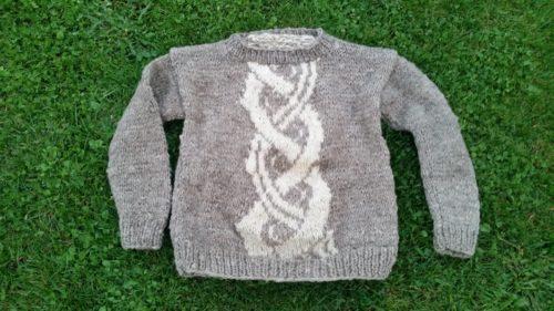 Trendiger Pullover in Gr. 158